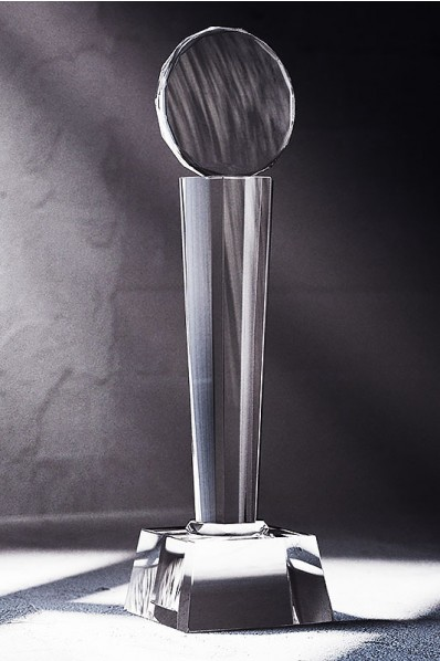 Trophée en verre : Pilonne + médaille