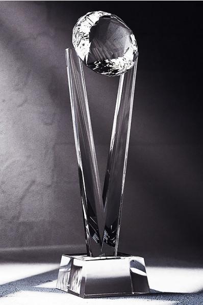 Trophée en verre : V + diamant
