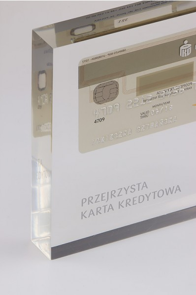 Carte bancaire en acrylique.