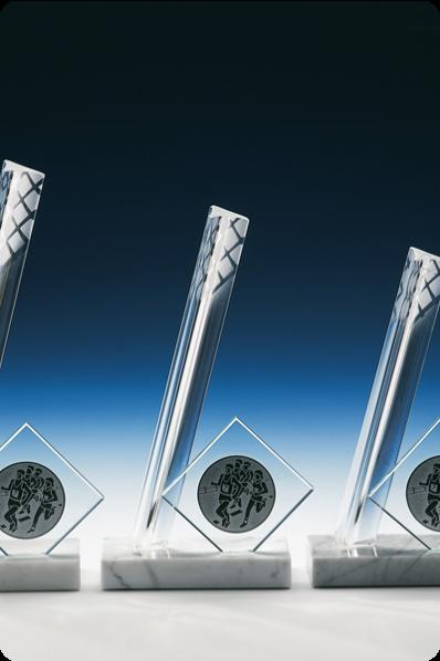 Trophée en verre :  Pilonne en verre