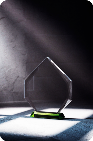 Trophée en verre : Plaque en verre flèche