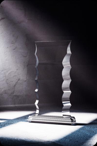 Trophée en verre : Plaque ondulée