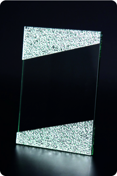 Trophée en verre : Cadre stylisé