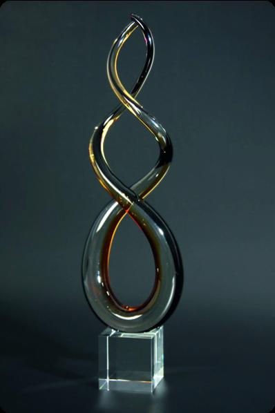 Trophée en verre : Figure en 8