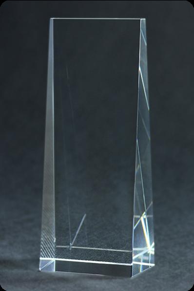 Trophée en verre : Totem en verre