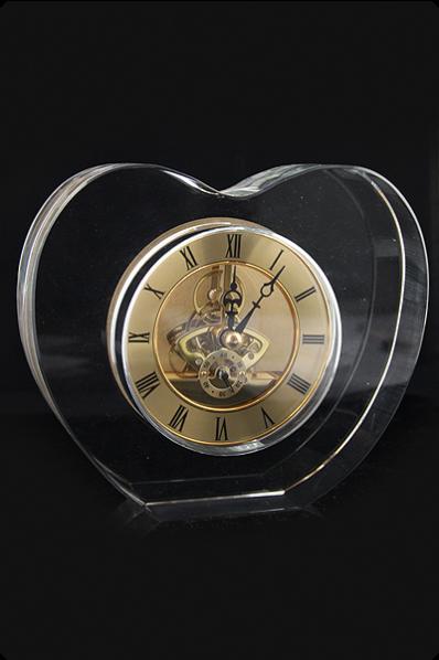 Trophée en verre : Horloge massive en verre