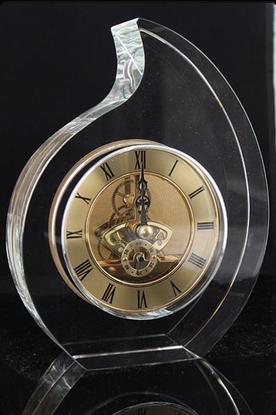Trophée en verre : Horloge