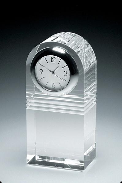 Trophée en verre : Horloge typique
