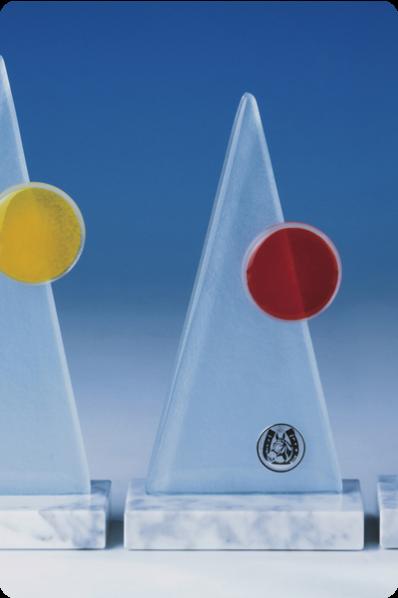 Trophée en verre : Pyramides en verre