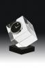 Cube en cristal avec horloge